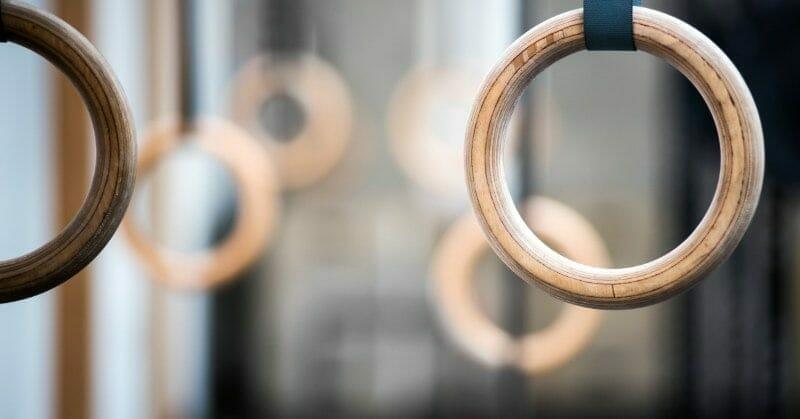 gymnastic rings in crossfit gym